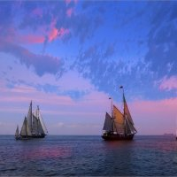 Кораблики на закате :: Виктор Перякин
