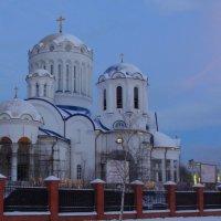 строящийся храм московских святых в Бибирево :: елена брюханова