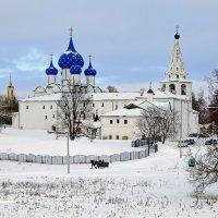 """Суздаль зимой...""""крестьянин торжествует..."""" :: Александр Шамардин"""