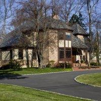 Этот дом привлекателен в любое время года :: Яков Геллер