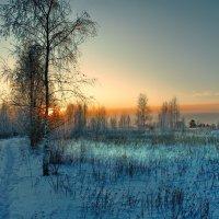 И вечер в зимнюю окраину... :: Александр | Матвей БЕЛЫЙ