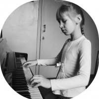 Girl playing the piano [1] :: Ira Bur