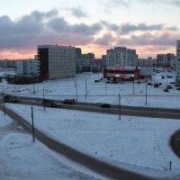 Северодвинск. А вот зима. Снег выпал и не тает, уже не раз... :: Владимир Шибинский