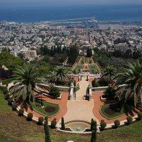 Вид на Бахайский храм и Средиземное море :: Игорь Герман