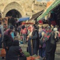 Jerusalem, Damascus Gate :: Valery