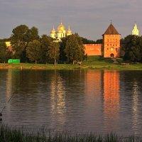 Утро красит нежным светом стены древнего Детинца! :: Николай Кондаков