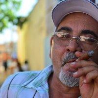Вот он кубинец... :: Михаил Кар