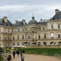 Люксембургский дворец :: ирина )))