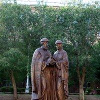 Памятник Петру и Февронии в Волгограде :: Александр