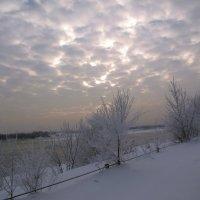 В лёте облаков гул седых веков вечен. :: Нина северянка