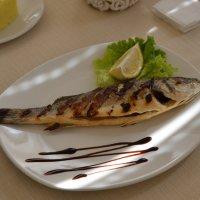 Красивая  и  вкусная  рыбка :: Владимир Солдатенков