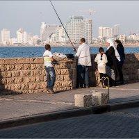Рыбалка с видом на Тель-Авив :: Lmark
