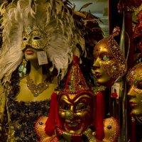 Венеция. Всё готово к карнавалу. :: Аркадий Беляков