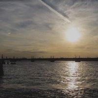 Солнце над Невой. :: Anton Lavrentiev