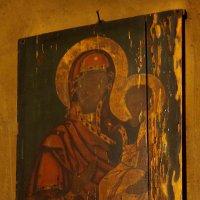 Икона, сохранившая следы пламени. :: Дарья Казбанова