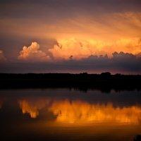 А над рекой горят огни... :: Олег Сидорин