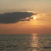 Закат на рыбинском море :: Kov66