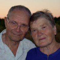 Бабуля с дедулей :: Сергей Артемов