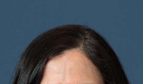 Как убрать выбившиеся из прически волосы на фото портрете