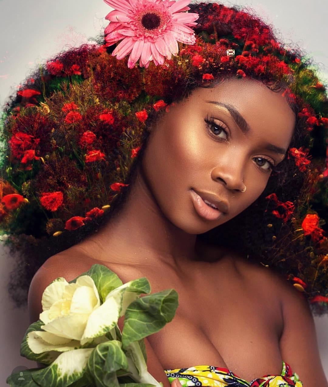 Это фото чернокожих красоток