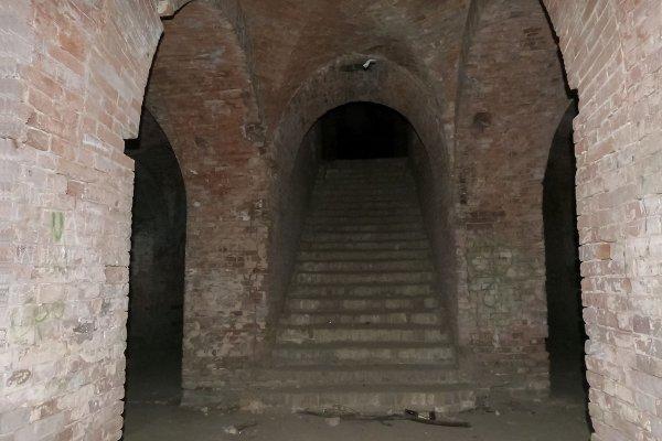проход внутрь в одну из башен