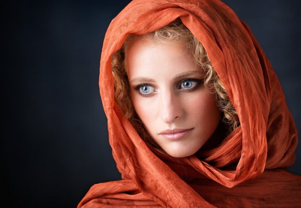Orange Shawl © Ross McKelvey