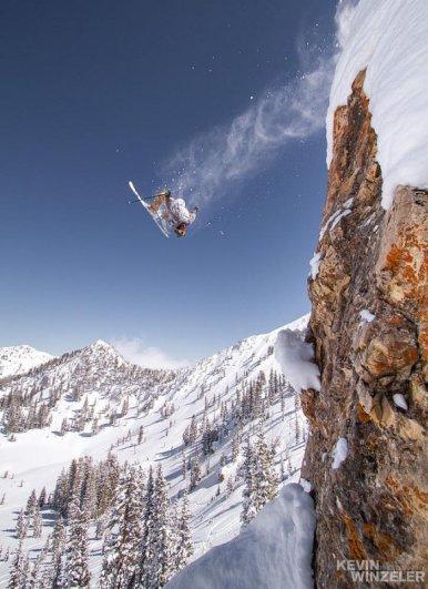 Катаясь на лыжах. Автор фото: KevinWinzeler.com - удачный кадр фото