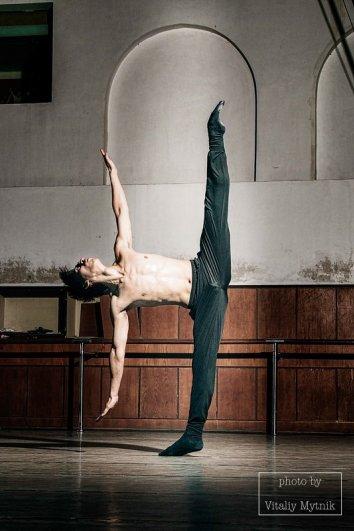 Vitaliy Mytnik - about dance (http://fotokto.ru/id23819)