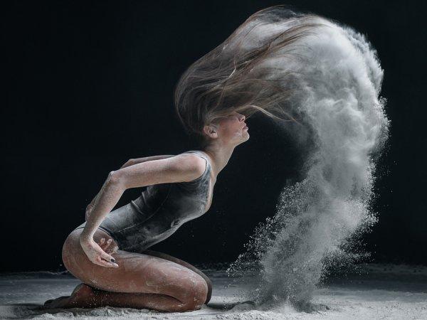 Студийные фото с применением муки и безупречной внешности