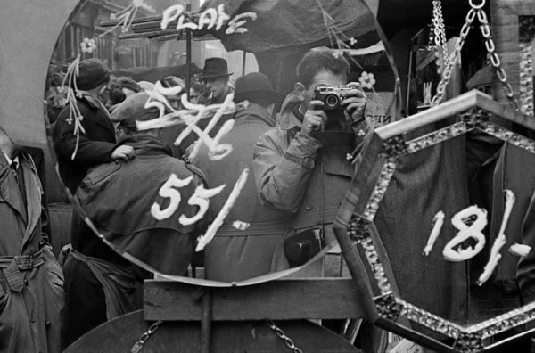 Автопортрет классика фотографии Фрэнка Хорвата