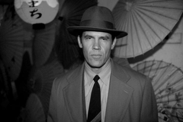 черно-белые портреты знаменитостей – Джош Бролин (Josh Brolin)