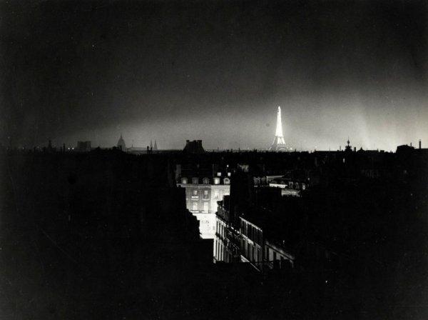 Ночной Париж. 1930 г.