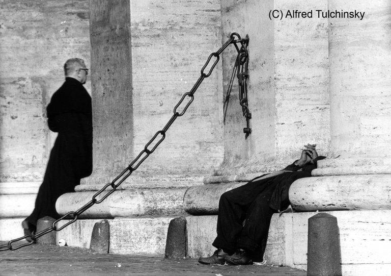 Рим 1978. Богом забытый.