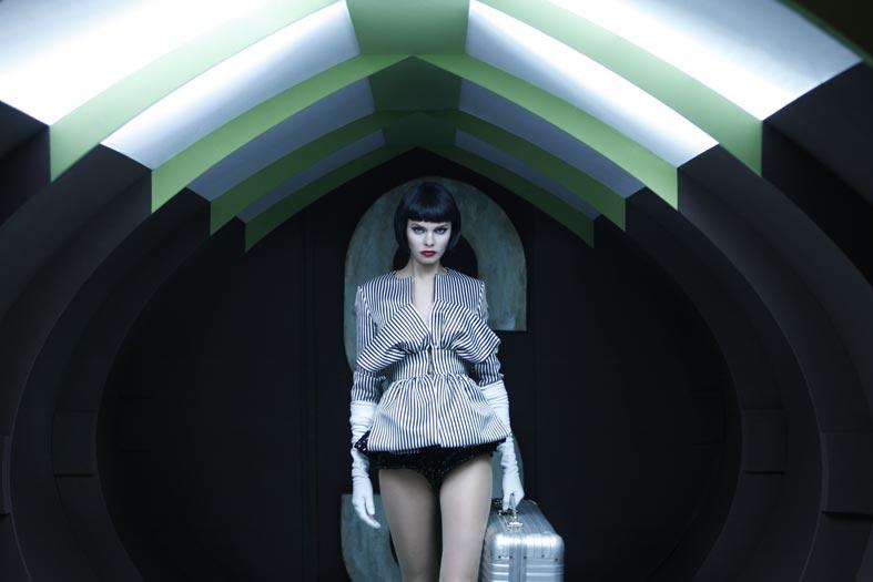 Самый необычный fashion-фотограф современности Eugenio Recuenco - №15