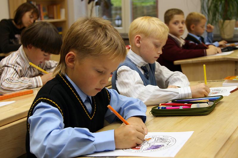 Фотографирование группы детей в школе
