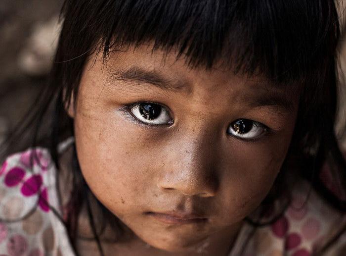 """Глаза людей и """"скрытая"""" улыбка в фотографиях французского фотографа Рехана - №9"""