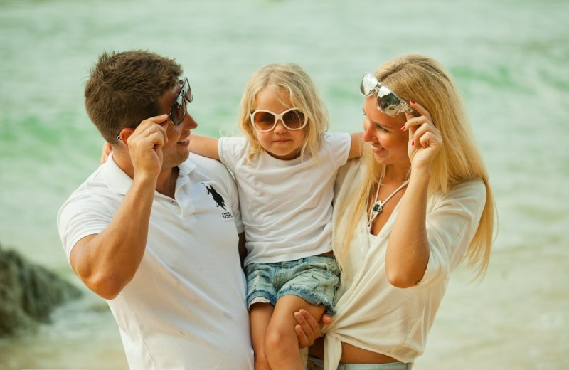 Идеи для семейной фотосессии - все в майках