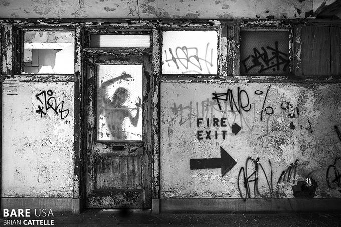 Bare USA: модели в заброшенных местах - №23
