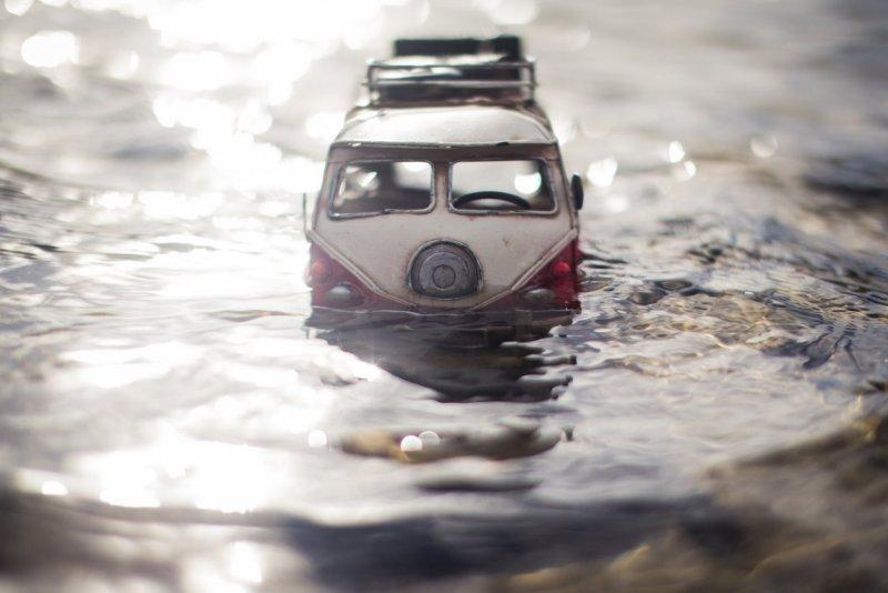 Огромный мир и крошечные машины - №9