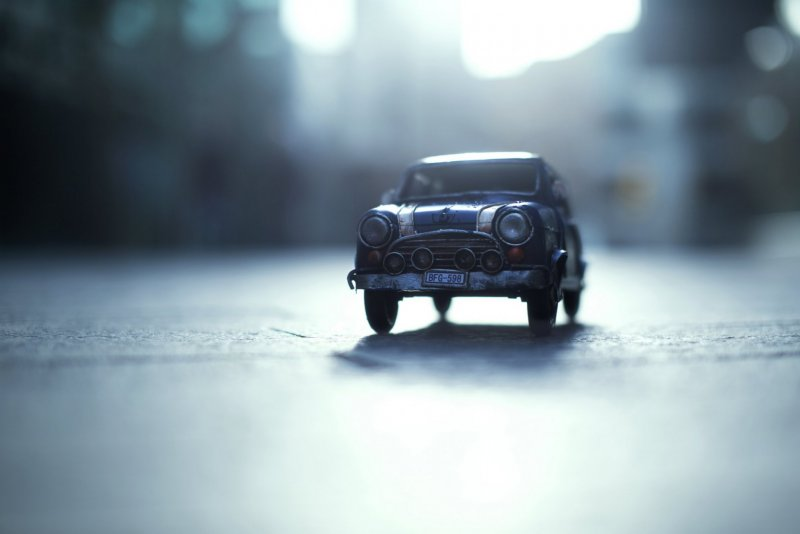 Огромный мир и крошечные машины - №8