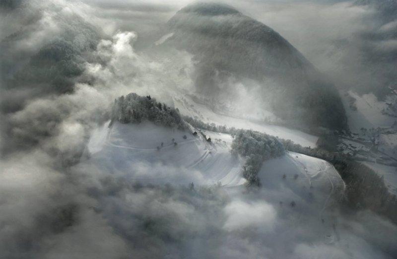 Сказочные фотопейзажи аэрофотографа Матяжа Катера - №20