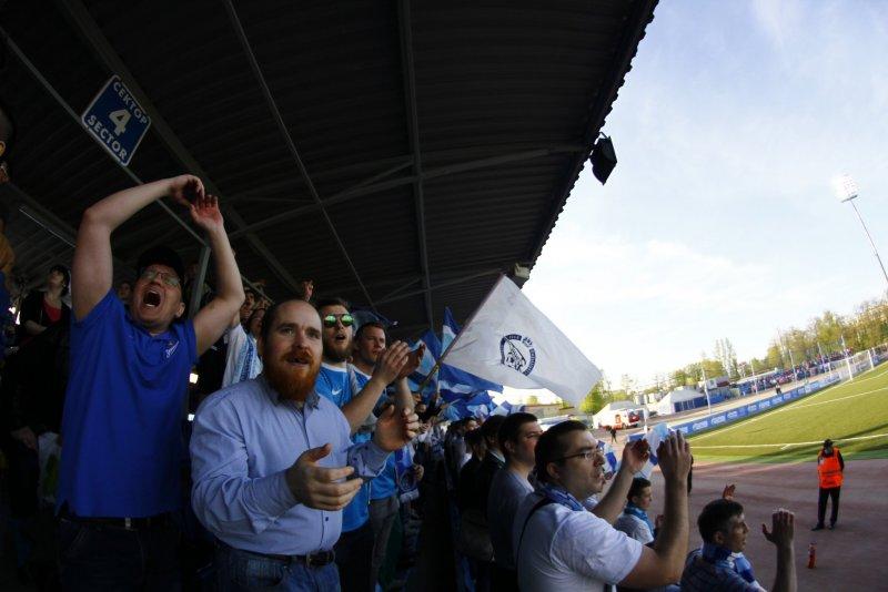 Фанаты на домашнем матче Зенита-2