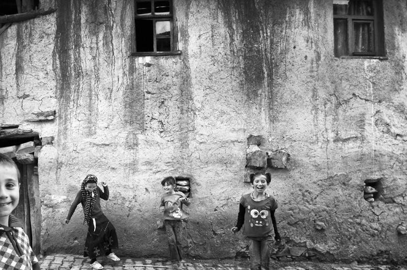 Стамбул в уличных фотографиях Мустафы Дедеоглу - №15
