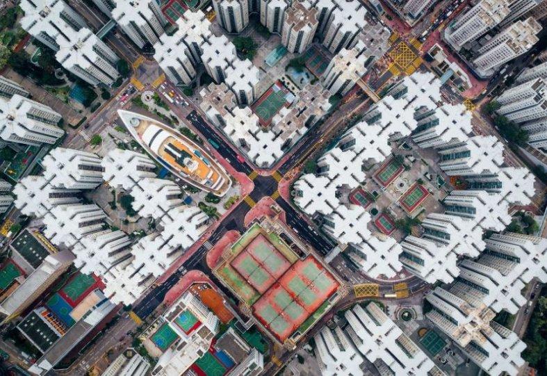 """Второе место в категории """"Города"""": """"Город-крепость Коулун"""", Гонконг, автор – Энди Еунг"""
