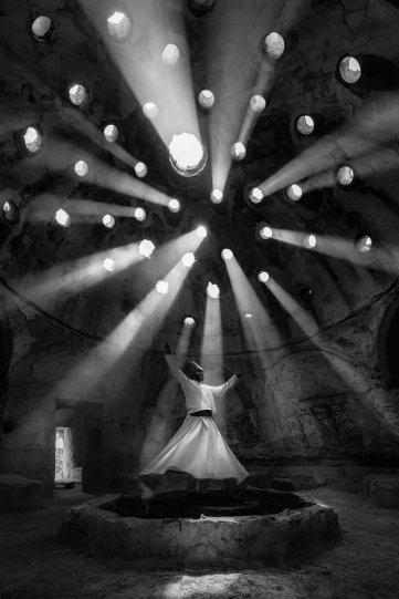 """Первое место в категории """"Люди"""": """"Поклонение"""", Конья, Турция, автор – Ф. Дылек Уяр"""