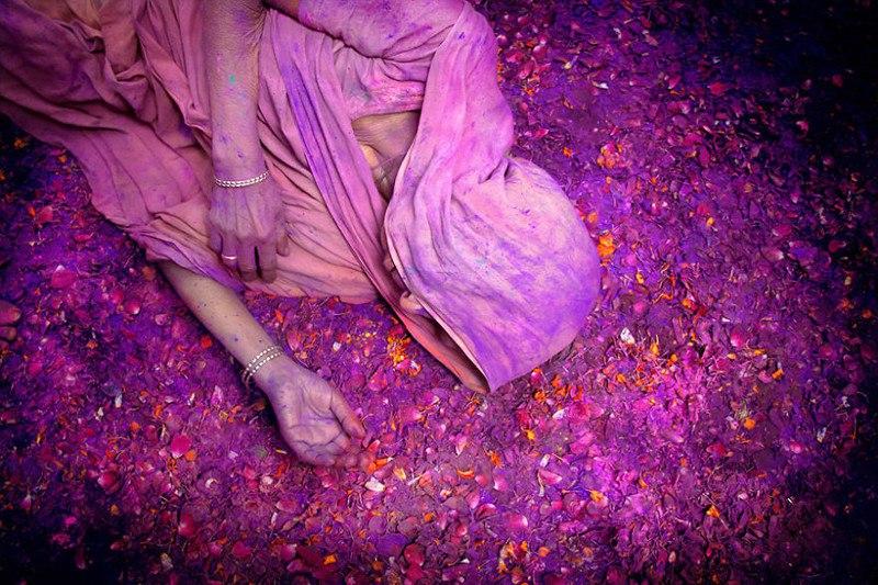 Праздник красок Холи. Вриндаван, Индия