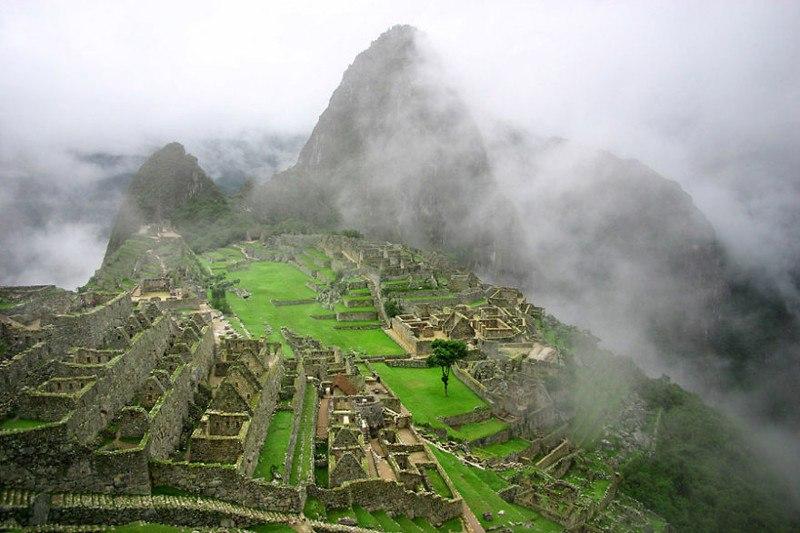 Древний город инков Мачу Пикчу