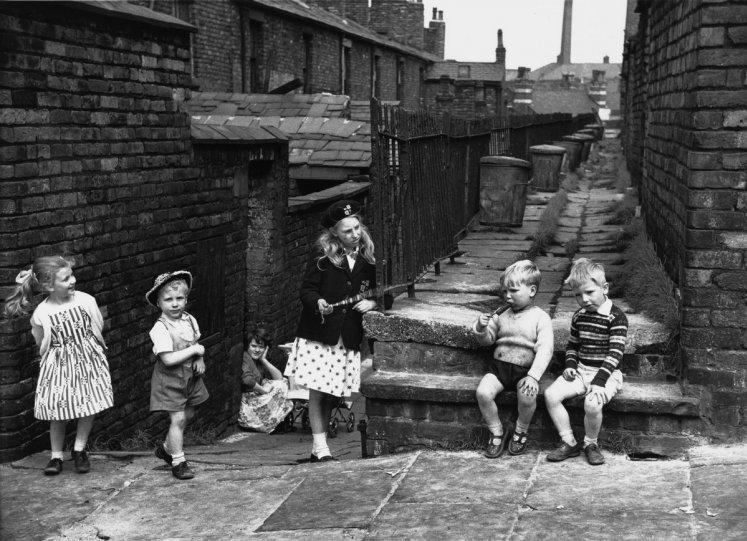 Фотографии Ширли Бейкер 1960-х годов - №15