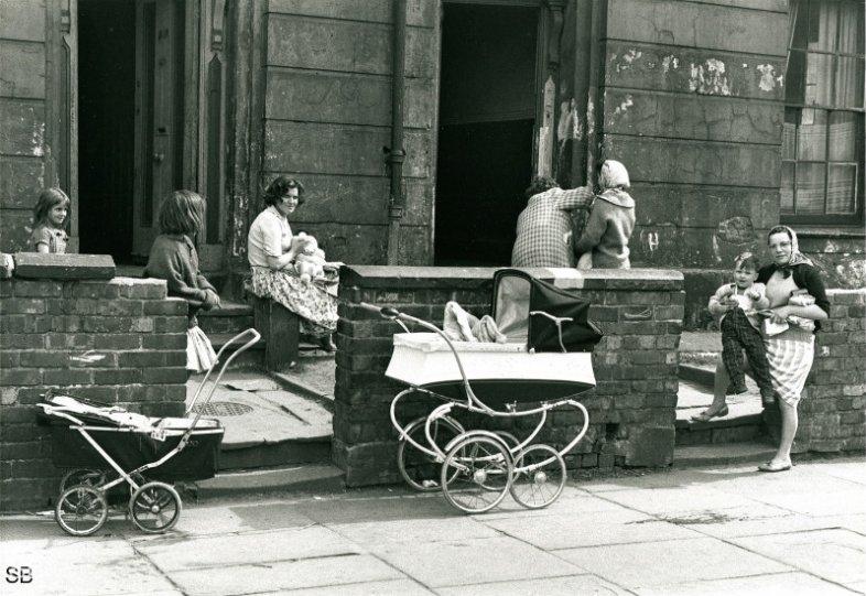 Фотографии Ширли Бейкер 1960-х годов - №23