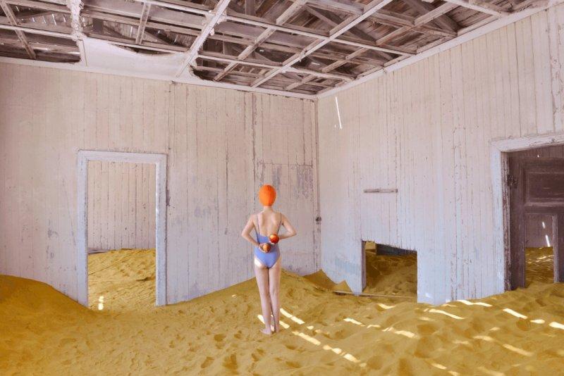 Фотосерия «Еда делает сюрреалистичные вещи в пустыне» - №10
